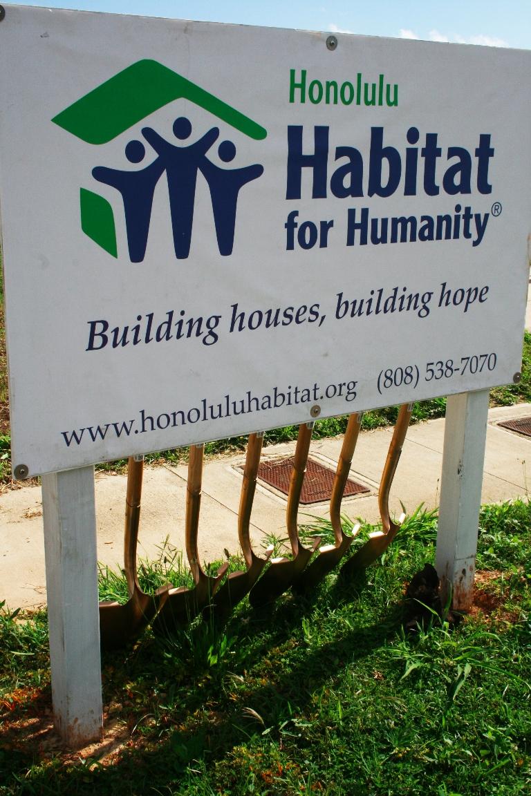 habitat_shovels